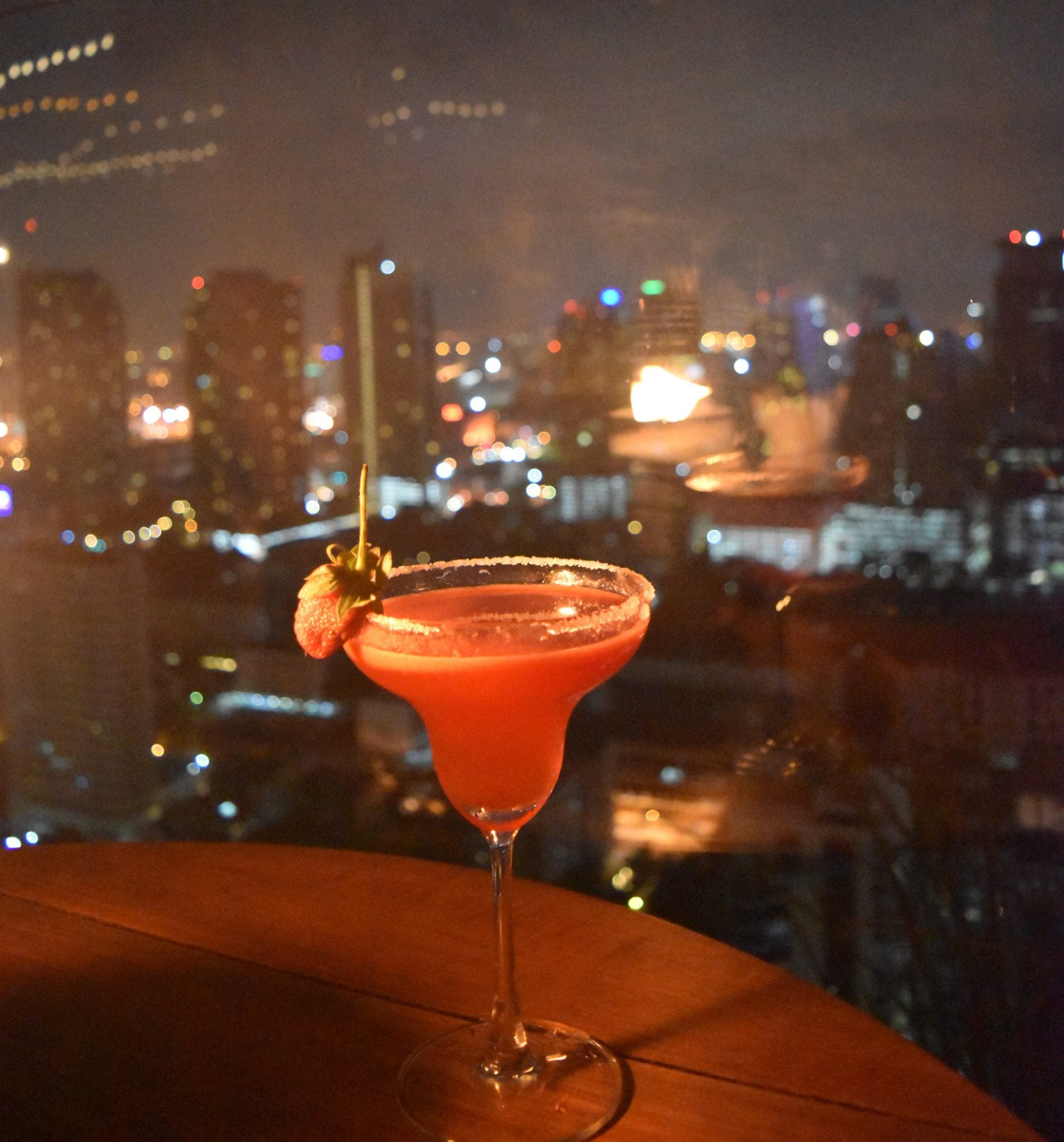 Above Eleven - Cocktails über Bangkok