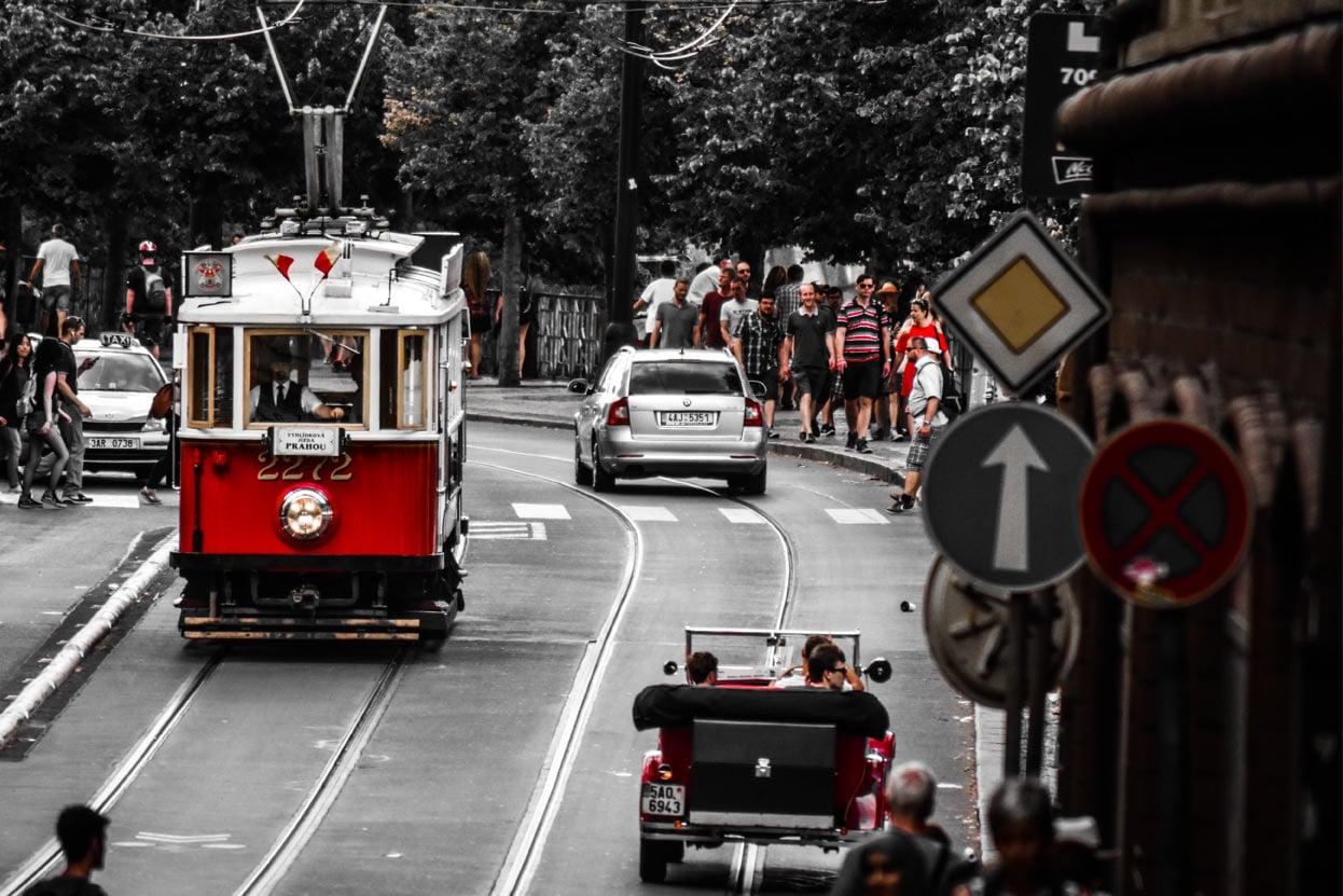 Historische Straßenbahn in Prag